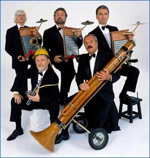 Uno de los elencos de Les Luthiers, donde aún vemos a Daniel Rabinovich - Conjunto de humoristas de Buebos Aires - Argentina