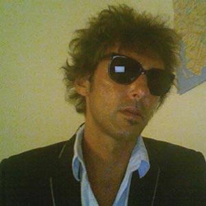 """Marcelo Champanier, cantautor argentino que ha presentado en 2012 su disco """"Tiempo & Distancia"""""""