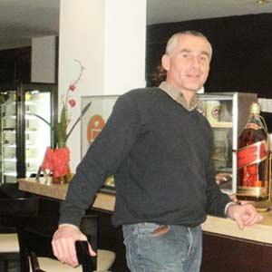 El abogado argentino Marcelo Enrique Daghero, de Leones, Provincia de Córdoba, en un local de Tarragona, Cataluña, España