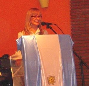 María Flavia Catella, escritora e inmigrante argentina en España, en la Asociación Argentinos en Málaga