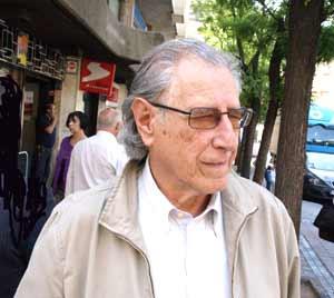 """El poeta y escritor argentino Mario Silva Arriola, autor de """"Oda a las Malvinas"""""""