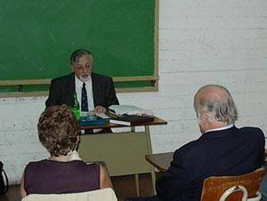 El Dr. José Martínez-Romero Gandos, psicólogo argentino, especializado en la línea de la logoterapia creada por el psicólogo austríaco Viktor Frankl