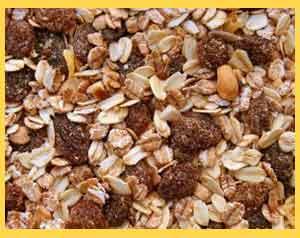 El muesli es una de las presentaciones de los cereales, con variedad de componentes, incluyendo avena, frutos secos, frutas deshidratadas, etc