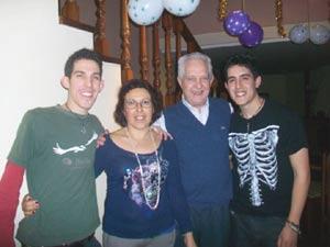 La familia Tamborini al completo...Juan Manuel, Patricia, César y Facundo. La residencia familiar está en Velleguina de Órbigo, León, España