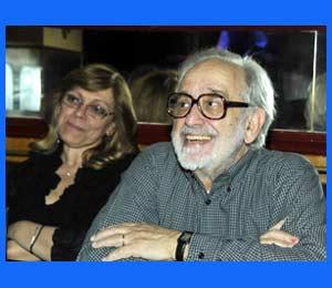 Osvaldo Parrondo, creativo, director de revistas, productor de televisión, etc. nacido en Buenos Aires, Argentina, y fallecido en Madrid, donde residía desde hacía 42 años, el 25 de diciembre de 2015. Lo acompaña su hija Lía Parrondo