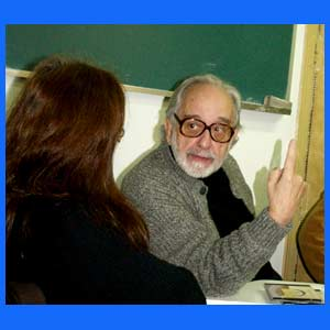 Osvaldo Parrondo, periodista, comunicador, creativo publicitario, director de revistas argentino, fallecido en Madrid, España, el 25 de diciembre de 2015