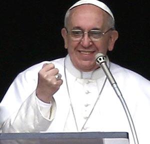 El Papa Francisco, nacido en Argentina, durante el Ángelus en una de sus alocuciones desde el balcón del Vaticano