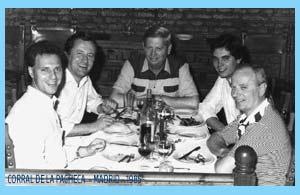 Visita de Lino Piovano a Madrid (1985) acompañados de los industriales carroceros rosarinos Dalesandro y con Eduardo Aldiser en Corral de la Pacheca (Chamartin) Madrid