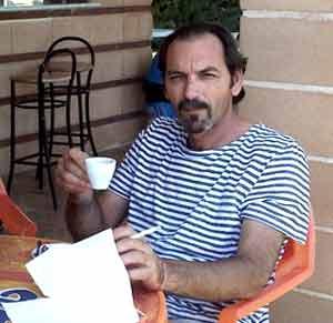 Raúl Terán, cantautor de tango y folklore argentino nacido en Bahía Blanca, Provincia de Buenos Aires, Argentina, residente en Albetas, Zaragoza, España