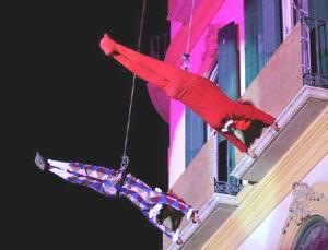 R.E.A. Danza en una de sus actuaciones de ballet en muros de edificios. Foto de M. Villarejo cedida por Diego Arias