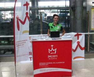 Para muchos el primero de los puntos de información de la Jornada Mundial de la Juventud 2011 de Madrid, en el aeropuerto de Barajas