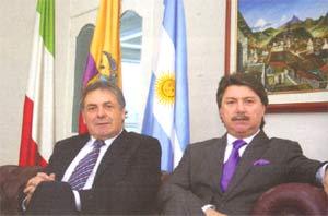 De isz. a der. el Gerente General de Aeromaster Airways S.A. Roque Damone y el Director General y Presidente, Roberto Damone, empresarios argentinos con presencia en Ecuador y otros países del mundo