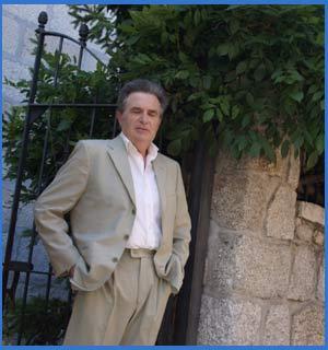 Rodolfo Ghezzi posando en Colmenarejo, Madrid, España, donde vivió hasta el 17 de junio de 2017. Habia nacido el 25 de marzo de 1944 en Villa María, Córdob, Argentina