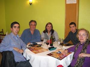 Rubén Alberto Rodríguez Casal, emigrado argentino en A Coruña, con su familia