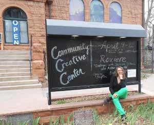 Roxiere, artista plástica argentina que reside en Fort Collins de Colorado, EEUU