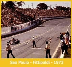 Victoria en 1973 de Emerson Fittipaldi en Interlagos, San Pablo, Brasil - Formula Uno
