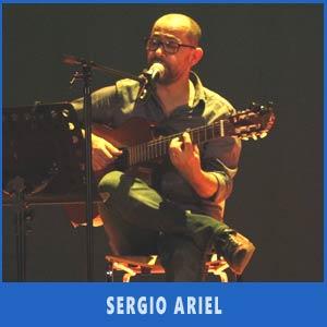 El cantante y guitarrista argentino Sergio Ariel en Auditorio Teis de Vigo, Julio 2017