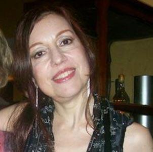 La cantante y pianista Sonia Ursini, nacida en María Grande, Provincia de Entre Ríos, Argentina. Residen en Buenos Aires