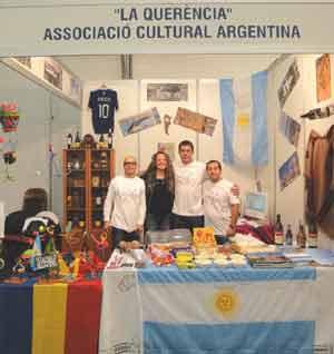 Stand de la Asociación Cultural Argentina La Querencia en la principal feria anual del Principado de Andorra, octubre 2012
