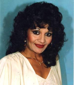 Susana Campos, cantante, locutora y comunicadora argentina, residente en Alberic, Valencia, España