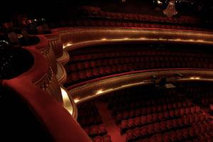 Vista de los palcos y platea del Teatro Maipo de Buenos Aires, Argentina. Foto de Delfina y Horacio Rosell
