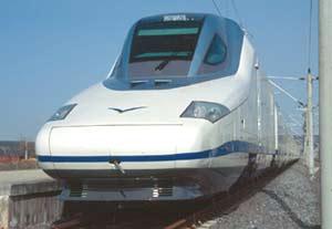 Locomotora de un moderno tren español en circulación