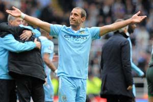 Pablo Zavaleta, jugador argentino del Manchester City, campeón de la Premier League 2011-2012